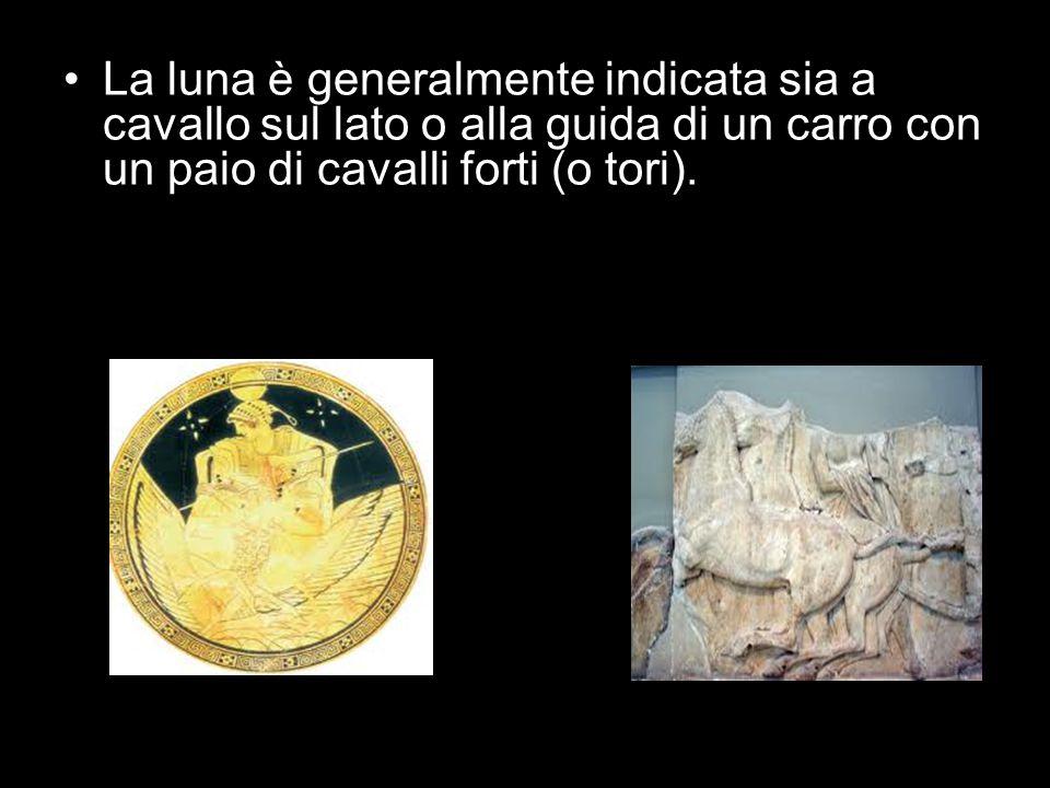 La luna è generalmente indicata sia a cavallo sul lato o alla guida di un carro con un paio di cavalli forti (o tori).