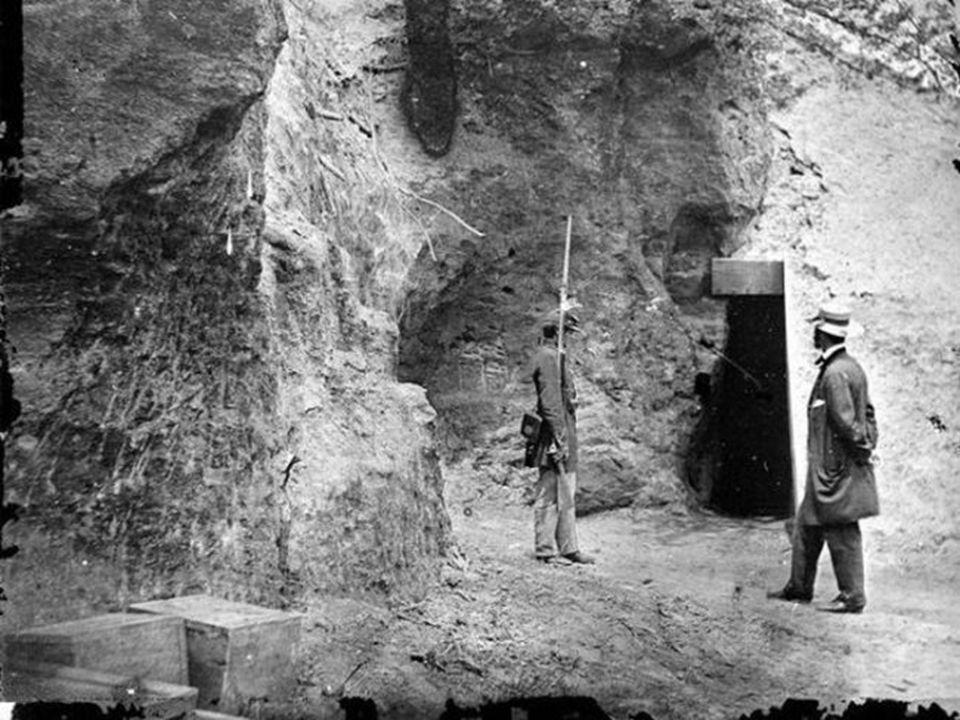 ΜΕ ΜΙΑ ΔΙΕΙΣΔΥΤΙΚΗ ΜΑΤΙΑ Ο ΕΜΦΥΛΙΟΣ ΠΟΛΕΜΟΣ ήταν ο πρώτος πόλεμος που καταγράφηκε με την χρήση φωτογραφίας. Πολεμικοί φωτογράφοι όπως ο Μάθιου Μπράντι