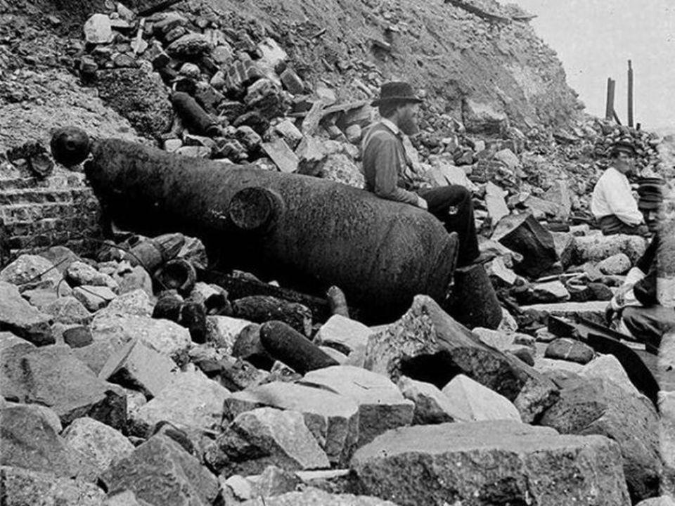 Στο τέλος του πολέμου που υπήρξε ολέθριος λόγω της εντατικής χρήσης νέων και σύγχρονων καταστροφικών μέσων που είχαν ως αποτέλεσμα σχεδόν 700.000 νεκρ