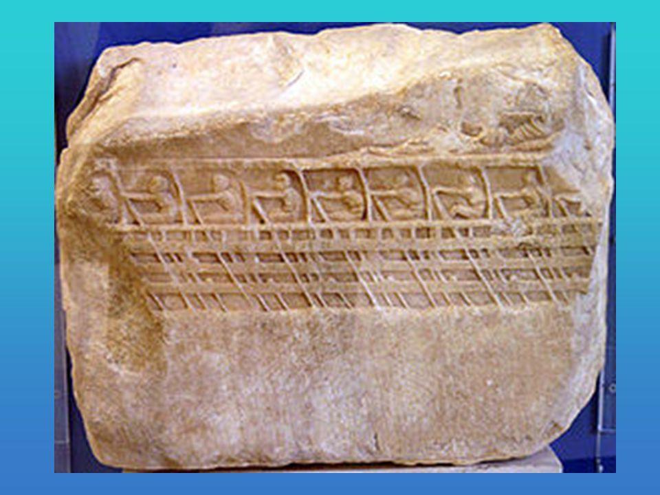 Από την μια οι Αθηναίοι να σφάζονται μεταξύ τους για το νερό και από την άλλη οι Πελοποννήσιοι να έχουν κατέβει το γκρεμό και να σκοτώνουν τους Αθηναίους οι οποίοι '' έπεφταν '' άδοξα στον ποταμό από αίμα και λάσπη.