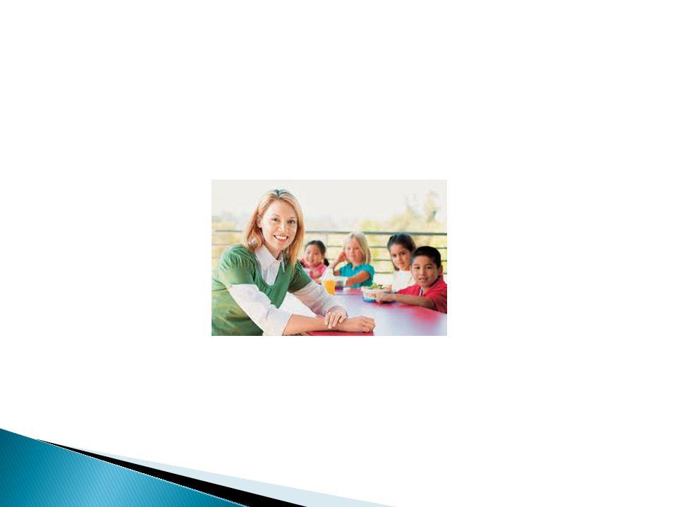 Για τη λήψη του πτυχίου, ο φοιτητής οφείλει να παρακολουθήσει επιτυχώς πρόγραμμα σπουδών 30-40 μαθημάτων, το οποίο περιλαμβάνει μαθήματα γενικής υποδομής 20-30%, ειδικής υποδομής 25-30%, ειδικότητας 25-30% και από 1-2 τουλάχιστον μαθήματα ανά κατηγορία στα γνωστικά αντικείμενα της Διοίκησης, της Οικονομίας, της Νομοθεσίας και των Ανθρωπιστικών σπουδών (ΔΟΝΑ) με ελάχιστο ποσοστό 10-20%.