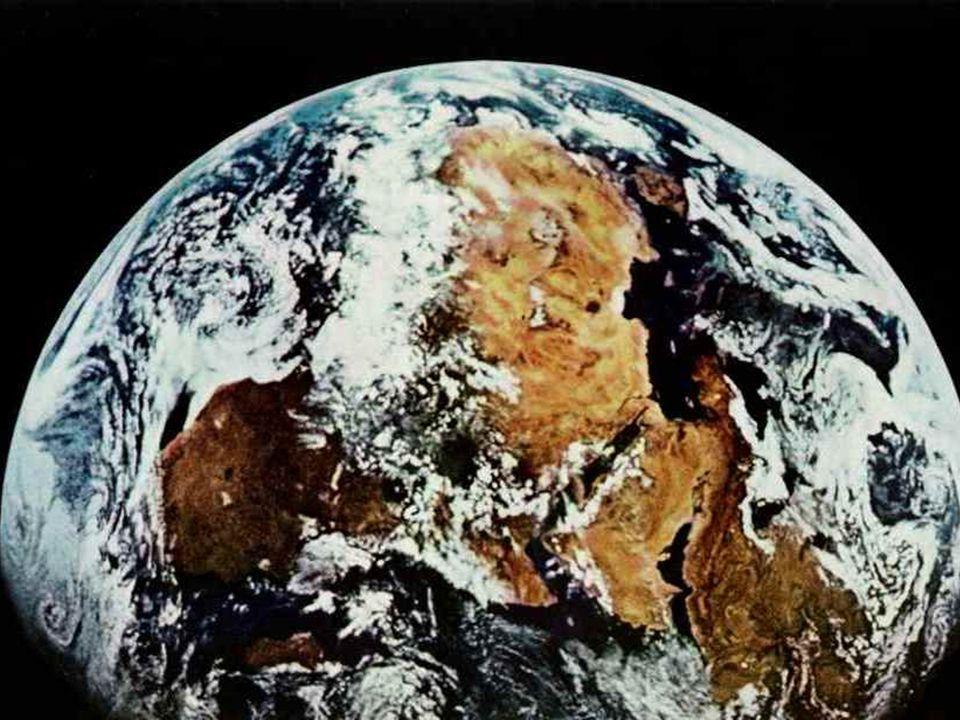 Στις 24 Ιουλίου 1969 οι αστροναύτες επιστρέφουν στη Γη.