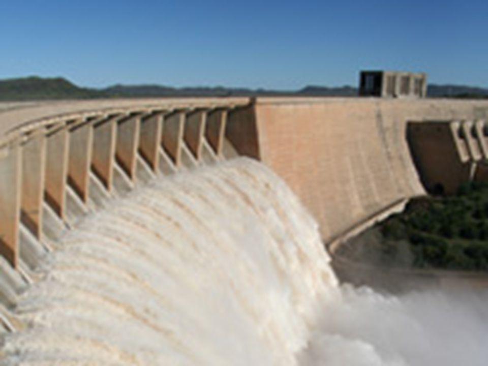 ΓΕΩΘΕΡΜΙΚΗ ΕΝΕΡΓΕΙΑ Είναι η θερμική ενέργεια που προέρχεται από το εσωτερικό της γης και εμπεριέχεται σε φυσικούς ατμούς, σε επιφανειακά ή υπόγεια νερά και σε θερμά ξηρά πετρώματα.