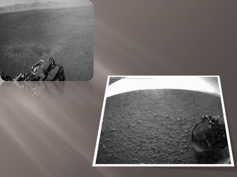  Ο Άρης έχει δύο μικρούς δορυφόρους, τον Φόβο και τον Δείμο, οι οποίοι πιστεύεται ότι είναι αστεροειδείς που εγκλωβίστηκαν από το βαρυτικό πεδίο του πλανήτη.