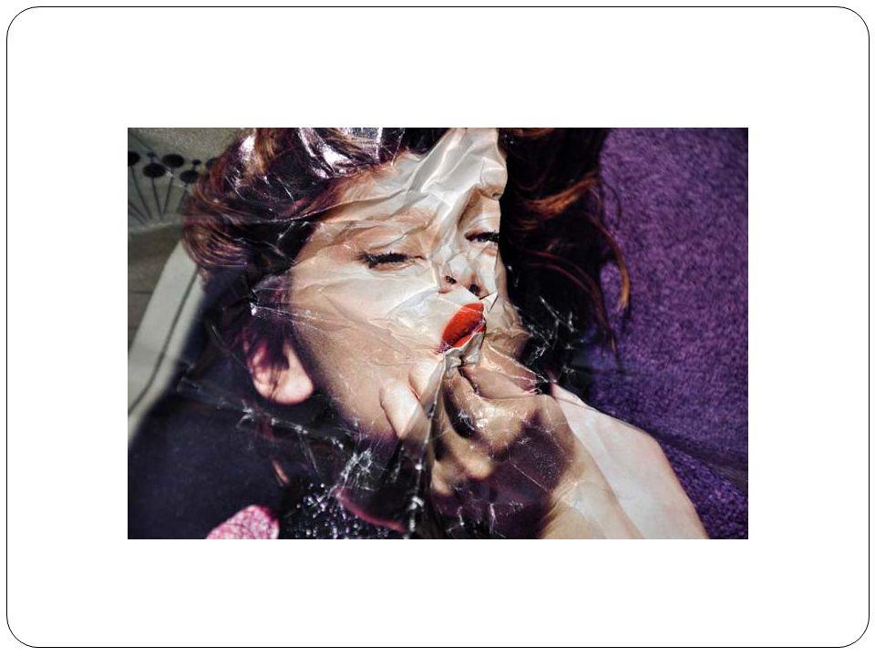 Πολλοί ελάσσονες επαγγελματίες ζωγράφοι χρησιμοποιούν εξεζητημένα αλλά κοινότυπα στυλ απεικόνισης προκειμένου να κάνουν το έργο τους εύπεπτο για ένα ευρύ κοινό, μειώνοντας έτσι την καλλιτεχνική αξία των έργων τους.