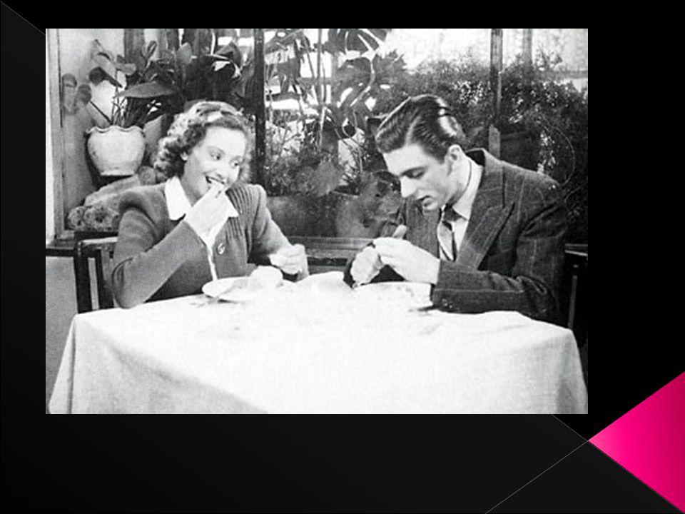 Μερικές από τις γυναικες ηθοποιούς του ελληνικού κινηματογράφου είναι η Αλίκη Βουγιουκλάκη, η Μάρθα Καραγιάννη, η Άννα Φόνσου, η Ζωή Λάσκαρη, η Τζένη