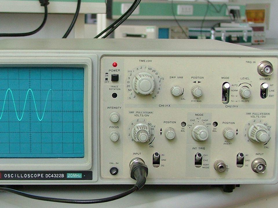 测量内容 校准方波 ; 500Hz,5V( 有效值 ), 正弦交流信号 ; 200Hz,2V( 有效值 ), 正弦交流信号 ; 5KHz,5mV( 有效值 ), 正弦交流信号, 注意 使用衰减按键.