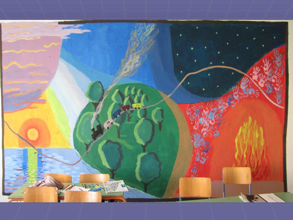 Περιγραφή δράσης Στο τμήμα του Γ2: Στην αρχή ζωγραφίσαμε τα μεγάλα σχήματα όπως τη θάλασσα, την αμμουδιά και τον ήλιο.