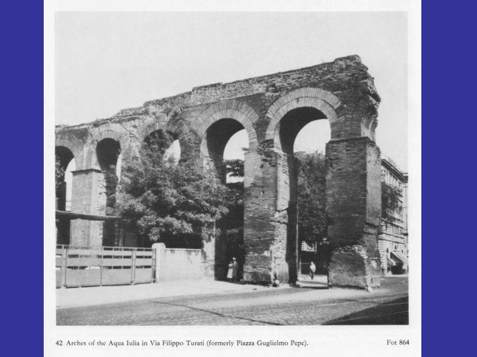 Τμήμα του θριγκού του ναού της Ομονοίας στο Tabularium