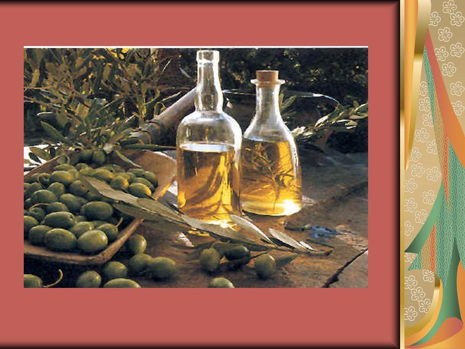 Υλικά με φαρμακευτικές ιδιότητες ΜΕΛΙ: -Βιοδραστικά συστατικά -Αντιοξειδωτικές ιδιότητες ΒΟΤΑΝΑ (φαρμακευτικά φυτά): -Βάλσαμο ή σπαθόχορτο – αντικαταθλιπτικό Ρίγανη (αιθέριο έλαιο): -Θυμόλη και καρβακρόλη Λάδανο: -αντιοξειδωτικές ιδιότητες Βότανα (αφεψήματα): -ποικιλία προϊόντων στον ελληνικό χώρο -διεθνές επιτυχημένο παράδειγμα Το ελληνικό τσάι δεν περιέχει καφεΐνη