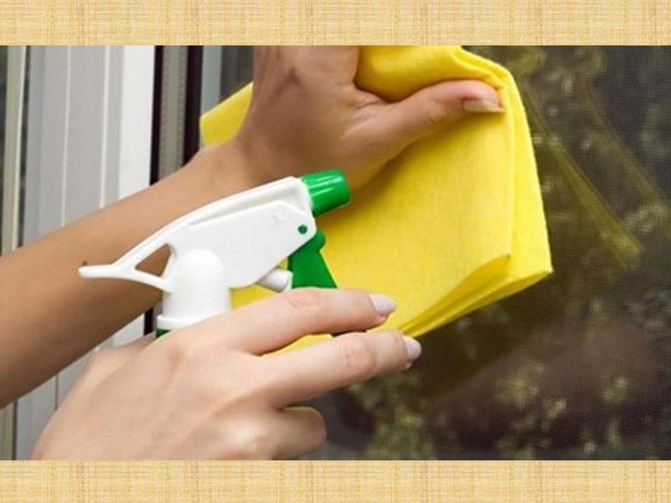 Πράσινες- εναλλακτικές λύσεις Καθαριστικά – Απολύμαντικα Γενικό καθαριστικό για το σπίτι Διαλύουμε και ανακατεύουμε μισό φλιτζάνι ξίδι και 1/4 φλιτζανιού μαγειρική σόδα σε δύο λίτρα ζεστό νερό.