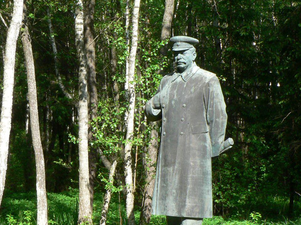 Grutas_Stalin.jpg Grutas_Stalin.jpg Grutas_Stalin.jpg