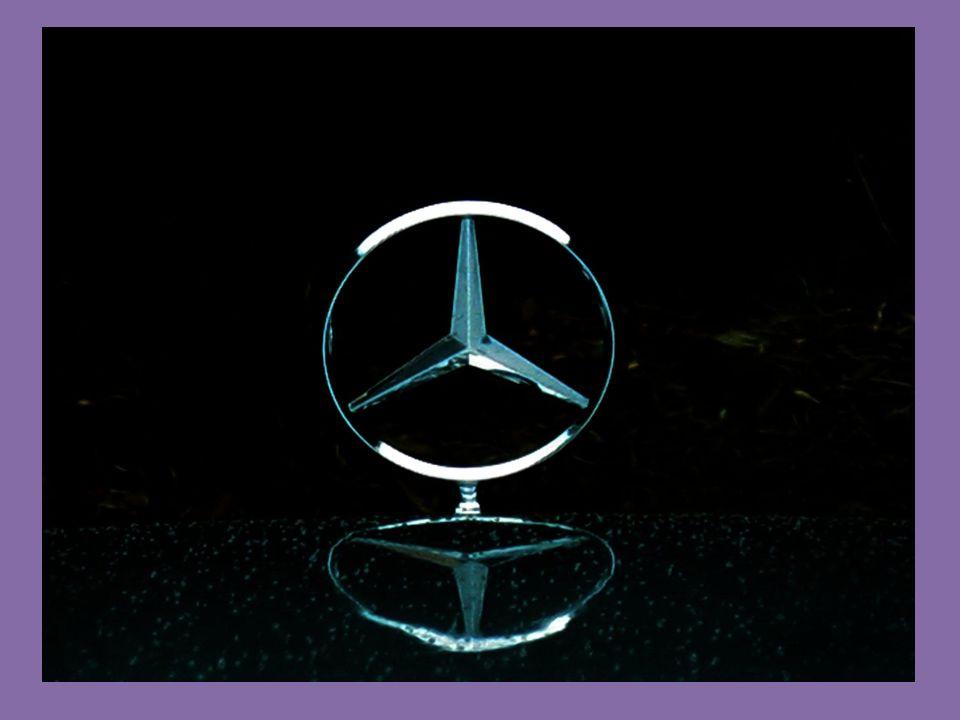 Mercedes-Benz W124 To Mercedes-Benz W124 (από το 1993 Mercedes-Benz E-Class W124) ήταν ένα μεσαίο πολυτελές αυτοκίνητο της κατηγορίας Ε, που παρήχθη από τη γερμανική αυτοκινητοβιομηχανία Mercedes-Benz, από τον Νοέμβριο του 1984 έως τον Ιούνιο του 1997.