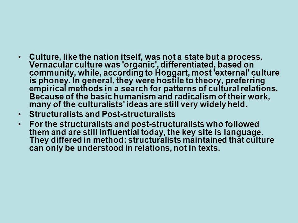 Aνακεφαλαιώνοντας, ο όρος «μεταμοντέρνο» περιγράφει ένα νέο είδος κοινωνίας και ένα νέο είδος γνώσης.