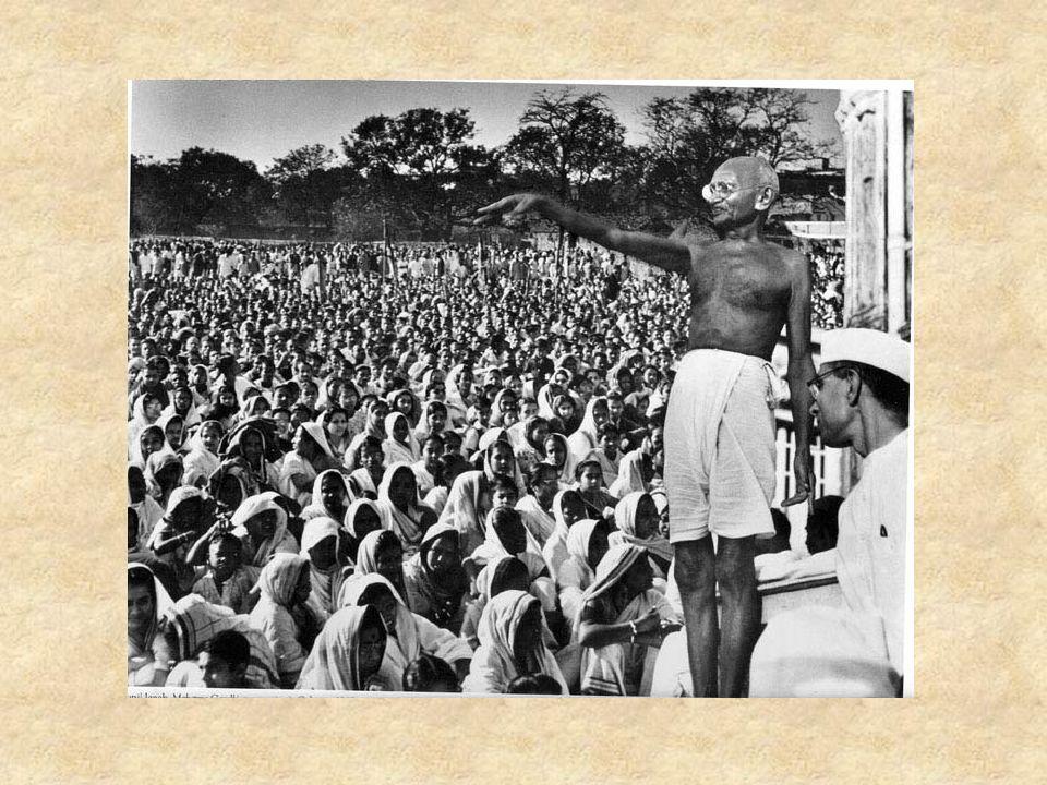 Ανεξαρτησία της Ινδικής Κοινότητας To 1915 επέστρεψε στην Ινδία όπου και τον υποδέχτηκαν θερμά..