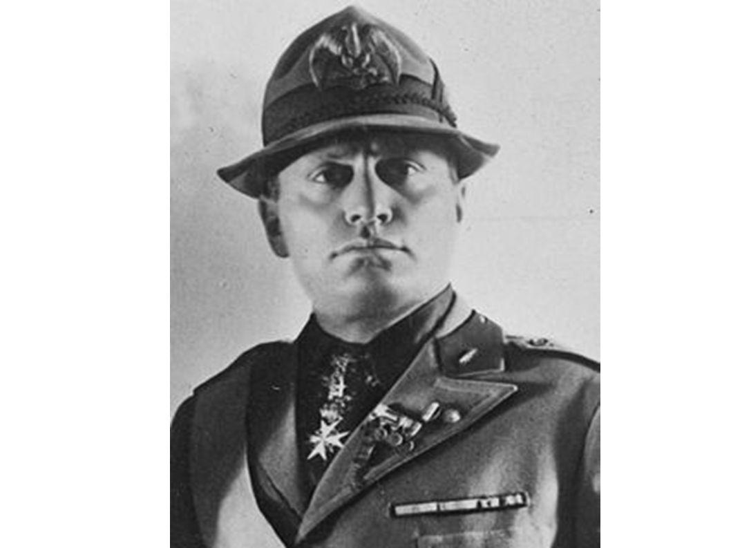 Γεννήθηκε στις 29 Ιουλίου του 1883 στην κωμόπολη Varnano dei Costa κοντά στο Πρεντάπια, ένα χωριό της βορειοανατολικής Ιταλίας, όπου διέμενε η οικογένειά του, στην περιφέρεια του Φορλί της επαρχίας Εμίλια- Ρομάνια.