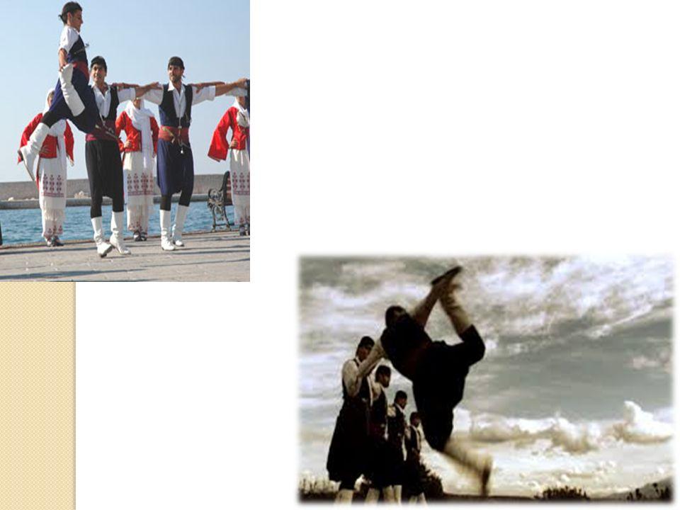 Οι Κρήτες ναυτικοί, σαν ιδιώτες ή σαν εργάτες στα βενετσιάνικα πλοία αναγκάζονταν πολλές φορές να φορούν ρούχα όμοια με των πειρατών ώστε αυτοί να τους μπερδεύουν και ωσότου να γίνει αντιληπτό το τέχνασμα οι ναυτικοί να έχουν απομακρυνθεί από τους πειρατές.