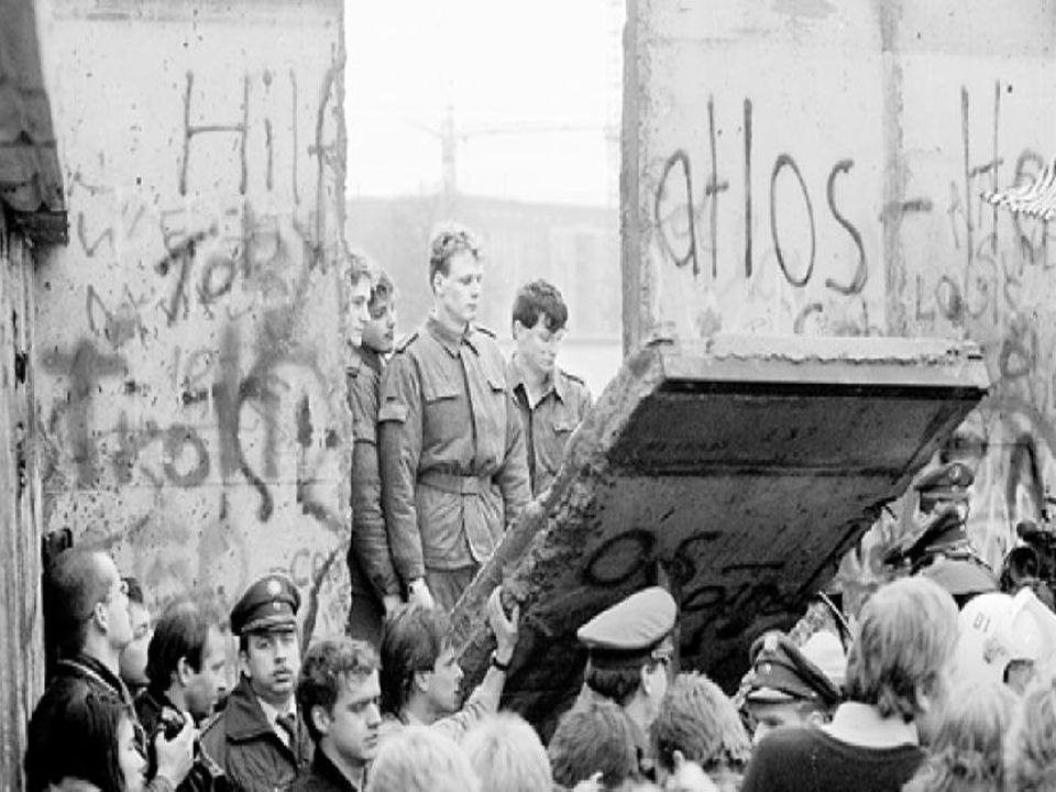 Let it be και ΨΠ – Άνοιξη Πράγας  Το τραγούδι συνδέεται με τον ψυχρό πόλεμο και την άνοιξη της Πράγας.  Τα δύο συμβάντα > δύο άσχημες σελίδες στην ι