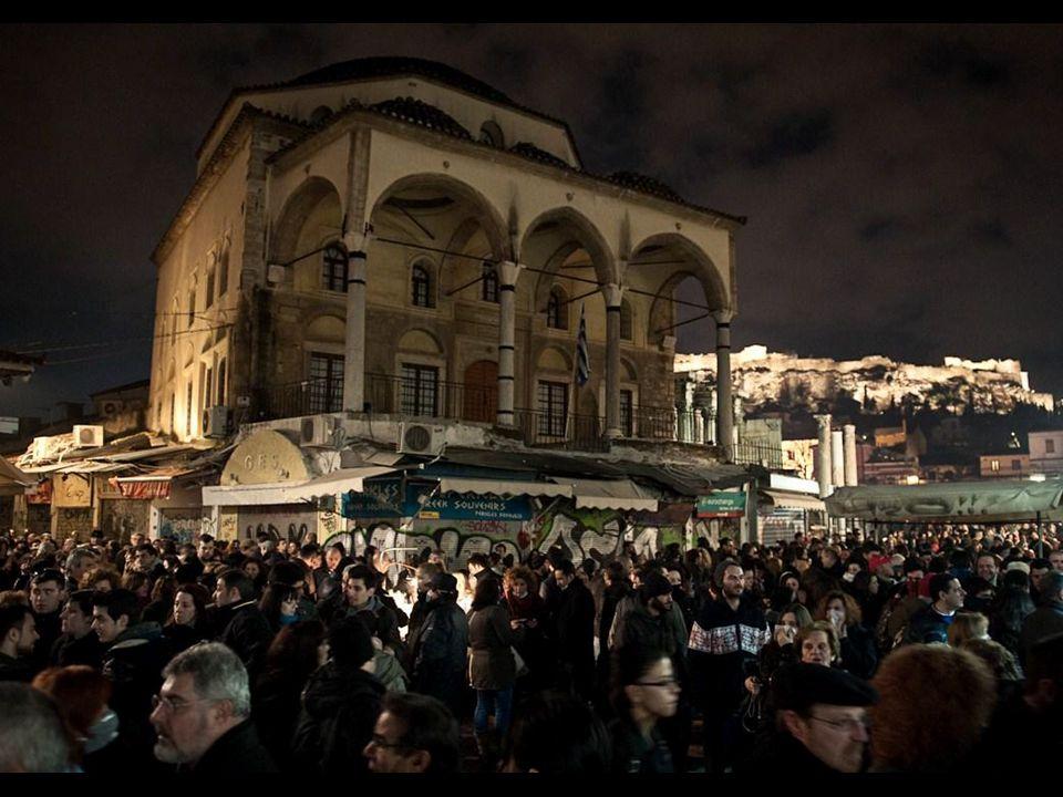 Η πολιτιστική διαστρωμάτωση που υπάρχει στο Μοναστηράκι και τα γύρω κτίρια, αλλά και η ιστορία του χαμένου κίονα υπήρξε το έναυσμα για την εικαστική παρέμβαση στο τζαμί.