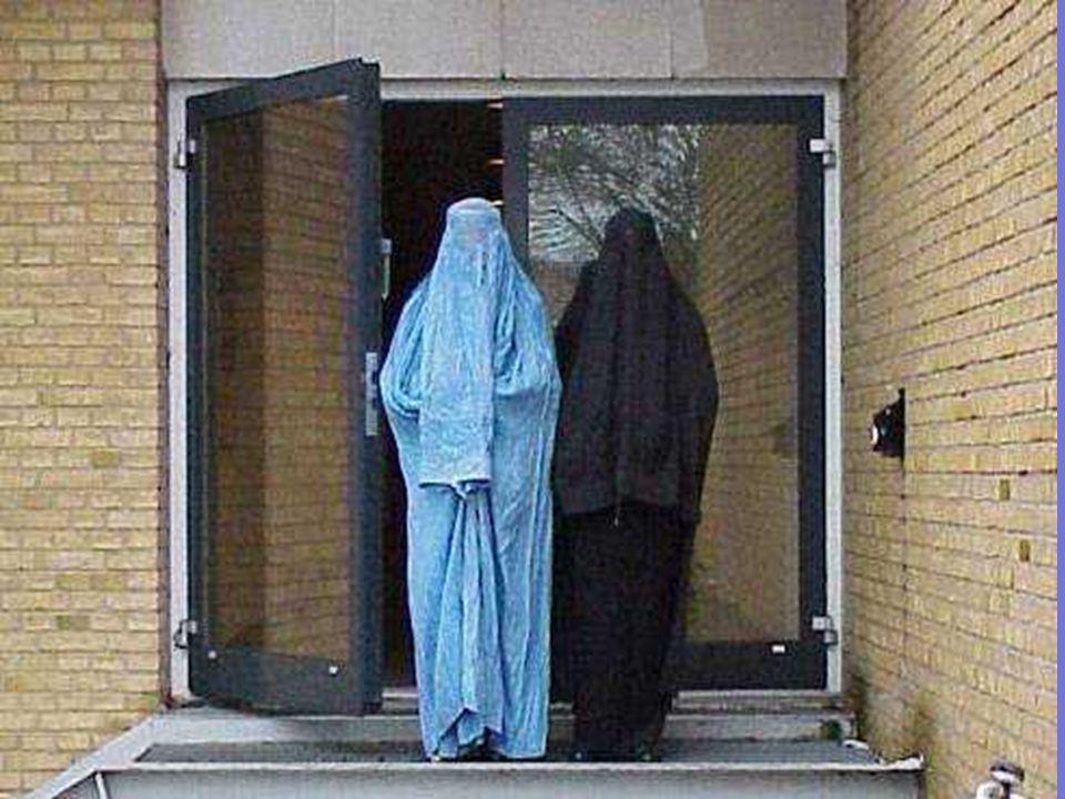 •Όταν μια γυναίκα είναι έγκυος, οι Αφγανοί λένε ότι είναι άρρωστη. Το 97% των Αφγανών γυναικών γεννούν στο σπίτι, γιατί απαγορεύεται να καλέσουν άνδρε