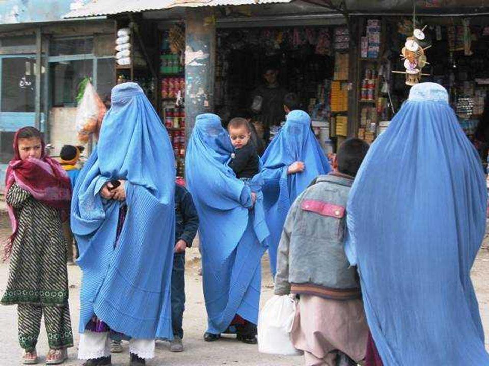 Όταν οι δυνάμεις των Ταλιμπάν κατέλαβαν την Καμπούλ στις 27 Σεπτεμβρίου 1996, στέρησαν τις γυναίκες των πολιτικών δικαιωμάτων τους, αφαίρεσαν το δικαί