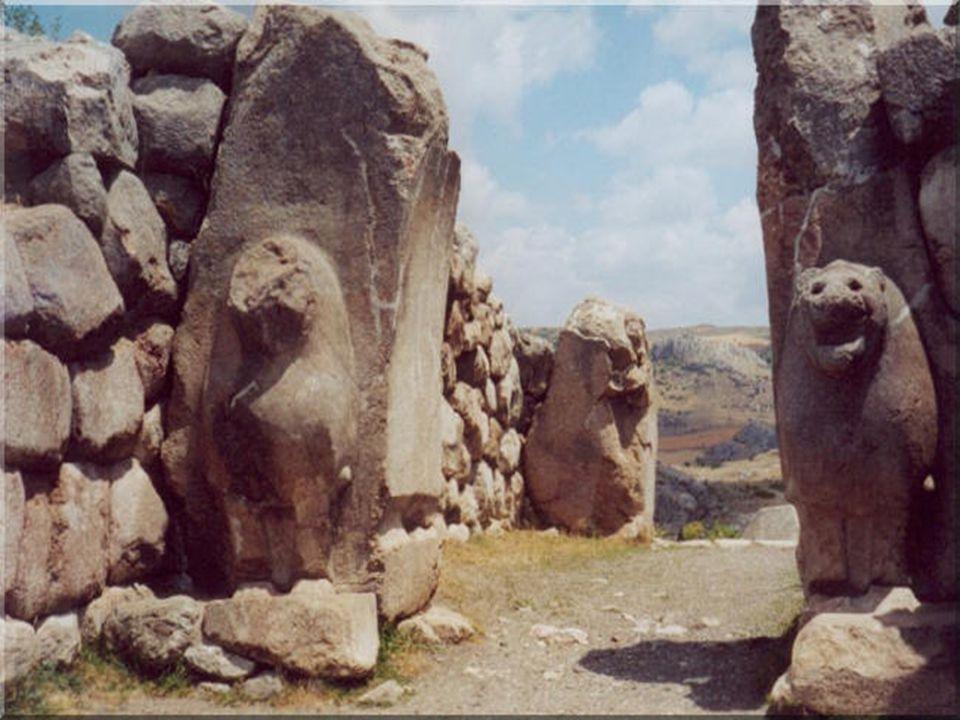 Στην ακμή της η πόλη αριθμούσε έως και 30.000 κατοίκους, ενώ εγκαταλείφθηκε σταδιακά από το 641 μ.Χ.