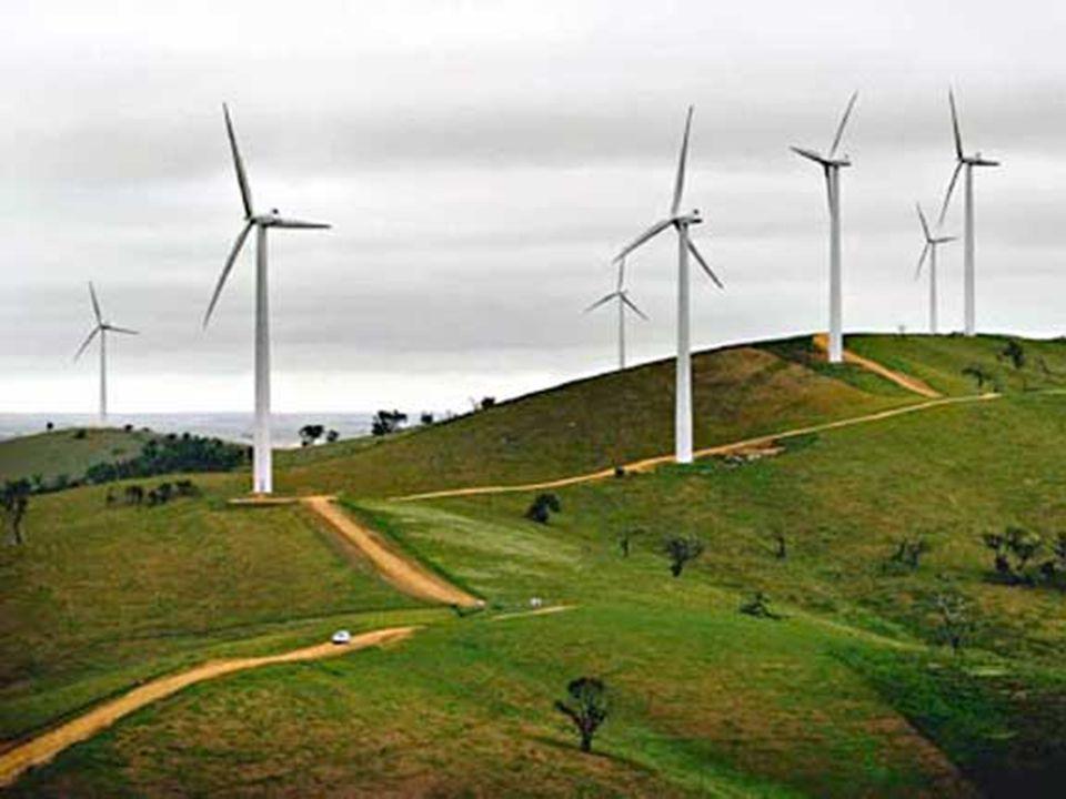 Η ανάπτυξη των τεχνολογιών βιοαερίου προσέφερε πολλά πλεονεκτήματα και περιβαλλοντικά οφέλη όπως:  Εξοικονόμηση χρημάτων για τους αγρότες  Βελτιωμένη απόδοση της λίπανσης  Μικρότερες εκπομπές αερίων θερμοκηπίου  Οικονομικη και περιβαλλοντικά αποδεκτή ανακύκλωση αποβλήτων  Μειωμένες οχλήσεις(ρυπ ά νσεις) λόγω οσμών και παρουσίας μυγών  Δυνατότητες μείωσης παθογόνων οργανισμών ΠΛΕΟΝΕΚΤΗΜΑΤΑ