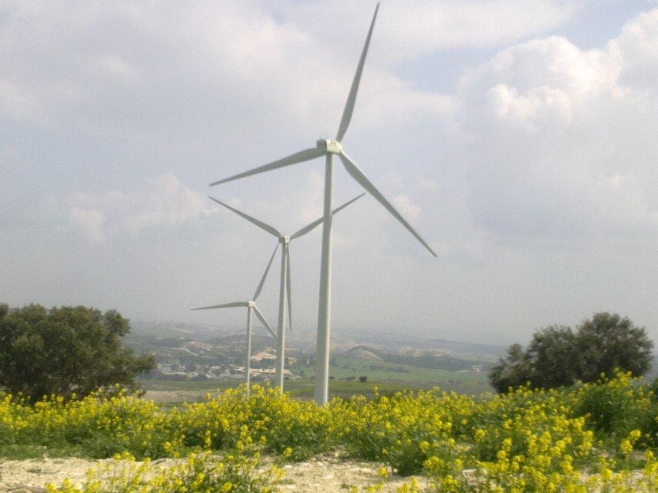 Ποια είναι τα βασικότερα πλεονεκτήματα των Ανανεώσιμων Πηγών Ενέργειας; Η Αιολική ενέργεια μαζί με τις υπόλοιπες μορφές Ανανεώσιμων πηγών και σε συνδυ