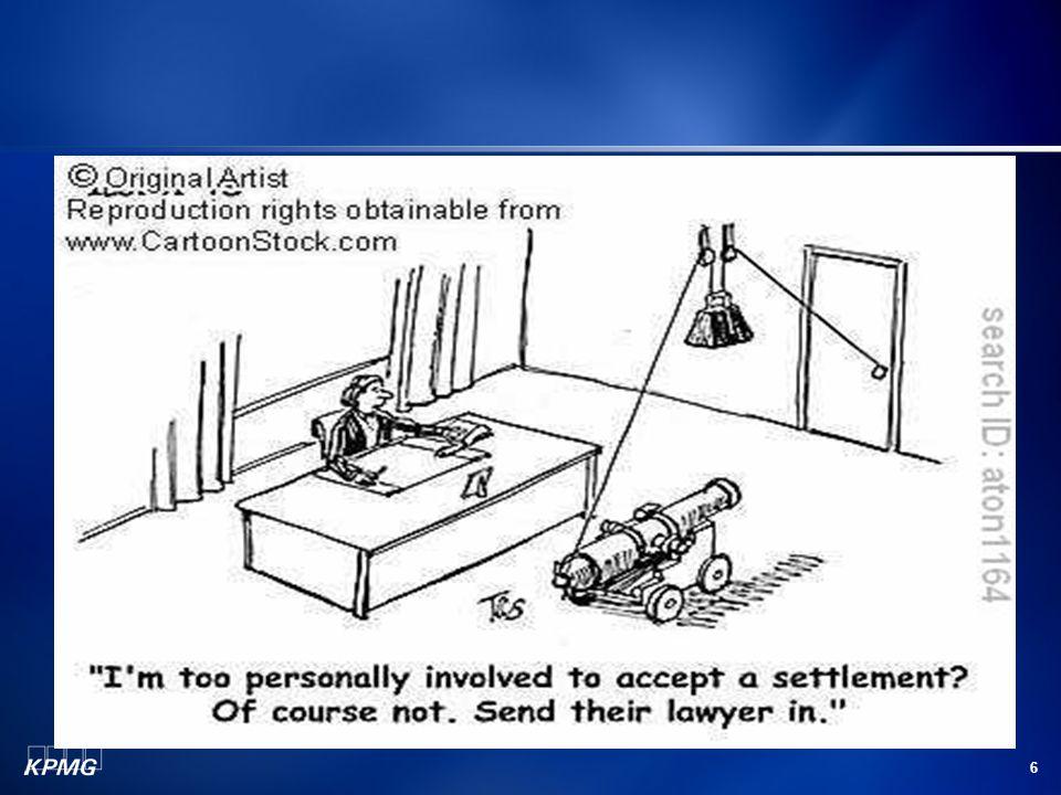7 Η αγορά εργασίας για το Δικηγόρο σήμερα Ένας ιδιαίτερα ανταγωνιστικός κλάδος Κάθε χρόνο περίπου 1200 δικηγόροι εισέρχονται στο επάγγελμα ενώ μόλις 400 αποχωρούν Περιορισμένες θέσεις εργασίας (in-house) Περιορισμένες δυνατότητες επαγγελματικής ανέλιξης