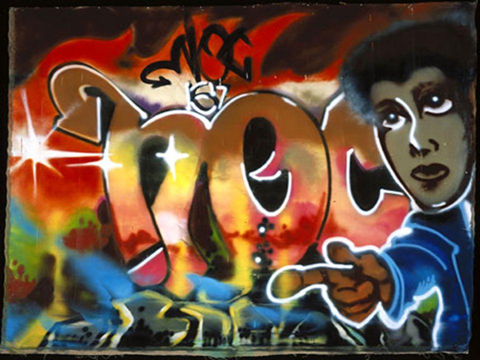 Προέλευση της λέξης Graffiti Στην ελληνική γλωσσά χρησιμοποιείται συνήθως τονιζόμενο στην προπαραλήγουσα (γκράφιτι) ή σπανιότερα στην παραλήγουσα (γκραφίτι).