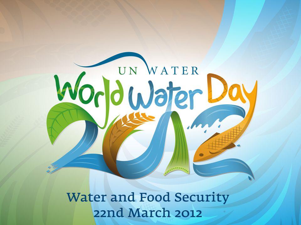 H Παγκόσμια Ημέρα Νερού 2012: Ασφάλεια νερού και τροφίμων •Είναι ένα μήνυμα να εστιαστεί η παγκόσμια προσοχή στη σχέση νερού και τροφίμων •Τα τελευταία 40 χρόνια, από τη δεκαετία του 60 διπλασιάσθηκε η παραγωγή τροφίμων •Αν και υπάρχει επάρκεια τροφής το 15% του παγκόσμιου πληθυσμού υποσιτίζεται •Η γεωργία, κτηνοτροφία και η ανάπτυξη καταναλώνουν το 70% του νερού στη γη •Τα επόμενα 50 χρόνια θα διπλασιασθεί η ανάγκη παραγωγής τροφίμων για επιπλέον 2,7 δις ανθρώπους •Κάθε σπατάλη τροφής ισοδυναμεί με απώλεια και κατάχρηση νερού