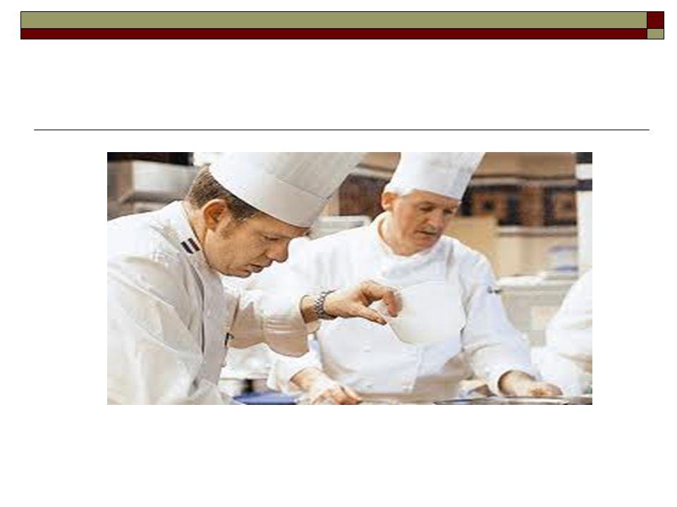 Τα καθήκοντα του μάγειρα είναι να συνεργάζεται με τη διεύθυνση της επιχείρησης στο μενού, στις παραγγελίες, παραλαβές και αποθηκεύσεις των τροφίμων και διάφορων υλικών, να μεριμνά για τη σωστή συντήρηση των τροφίμων και των υλικών και για τη σωστή χρησιμοποίησή τους, για την παρασκευή των φαγητών σύμφωνα με τις συνταγές, να κάνει συνδυασμούς υλικών και να δημιουργεί νέες ποικιλίες φαγητών Τα καθήκοντα του μάγειρα