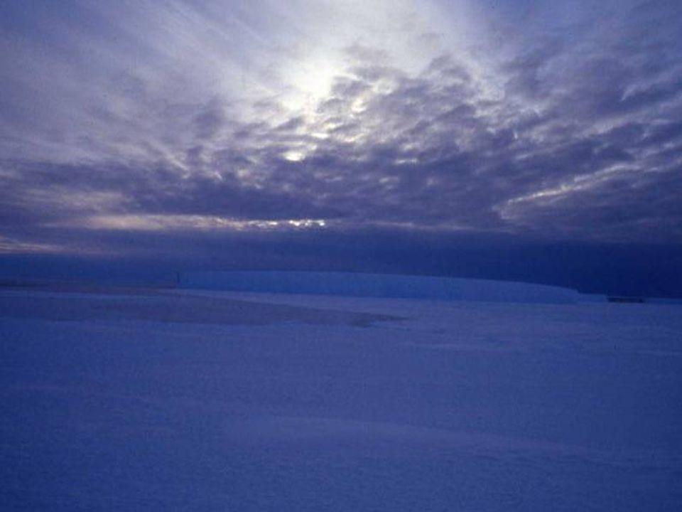 Η εξερεύνηση της Ανταρκτικής ήταν δυσκολότερη από αυτήν της Αρκτικής ζώνης, γιατί εκεί το κρύο είναι πάρα πολύ δυνατό και το έδαφος ανώμαλο.