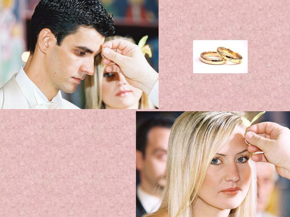 Οι βέρες είναι η σφραγίδα της ένωσης αλλά και η έκφραση της σταθερότητας της σχέσης, της αμοιβαίας εμπιστοσύνης και αλληλοπροσφοράς των συζύγων.