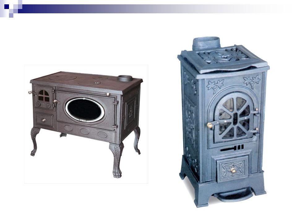 Παραδοσιακό τζάκι (ανοιχτού τύπου) ΕΕίναι κατασκευασμένα από πυρότουβλο ή μαντέμι ΖΖεσταίνουν τοπικά όπου φτάνει η ακτινοβολία.