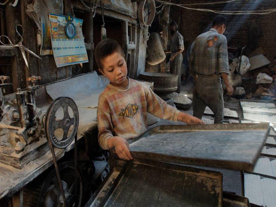 FIN Trabajo infantil = Esclavitud S. XXI ¿Es verdad que abolieron la esclavitud? ¡¡¡NO!!! Luís Gil
