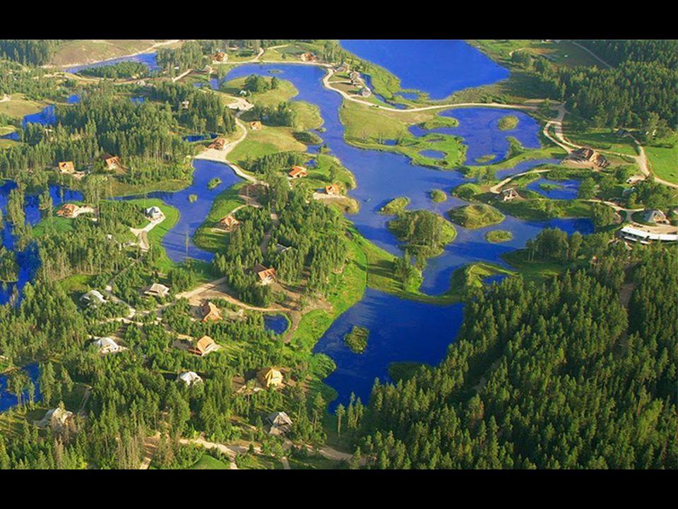 Το ίδιο το Amatciems διαθέτει δικούς του φυσικούς πόρους γλυκού νερού - δεξαμενές, λίμνες και γεωτρήσεις, όλα συνδεδεμένα μεταξύ τους ώστε να αλληλοτροφοδοτούνται, αλλά και να αποφεύγονται οι πλημμύρες σε περιόδους βροχών..