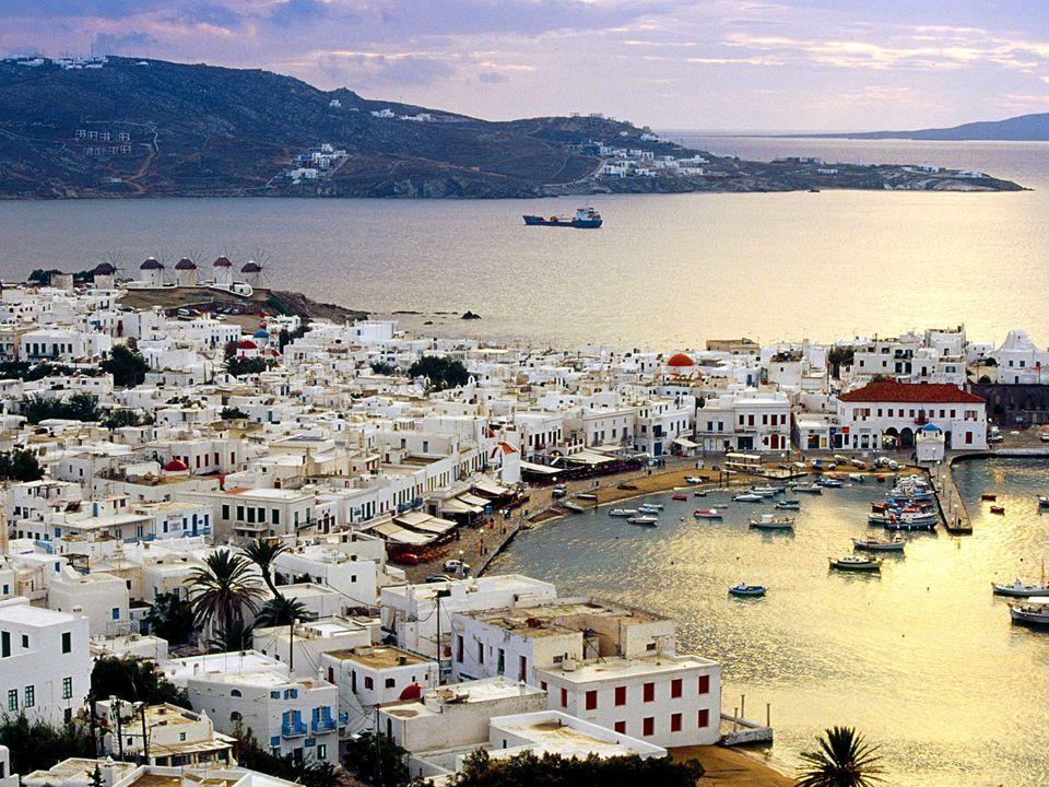 Αλιεία Η Ισπανία με τα υφιστάμενα εκτεταμένα παράλια τόσο προς τον Ατλαντικό όσο και προς τη Μεσόγειο παρουσιάζει επίσης ανεπτυγμένη αλιεία μ΄ ένα μεγάλο αλιευτικό στόλο σκαφών ανοικτής, μέσης και παράλιας αλιείας.