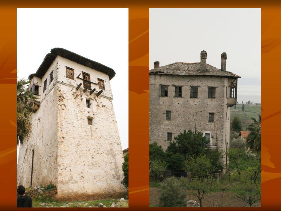 Το αρχικό τμήμα του πύργου έχει δίδυμη τοιχοποιία πάχους 1,8 μ.