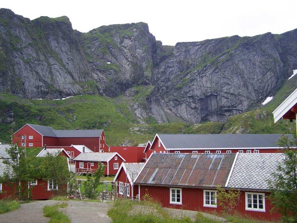 REINE Το χωριό Reine είναι το στολίδι των νησιών Lofoten.