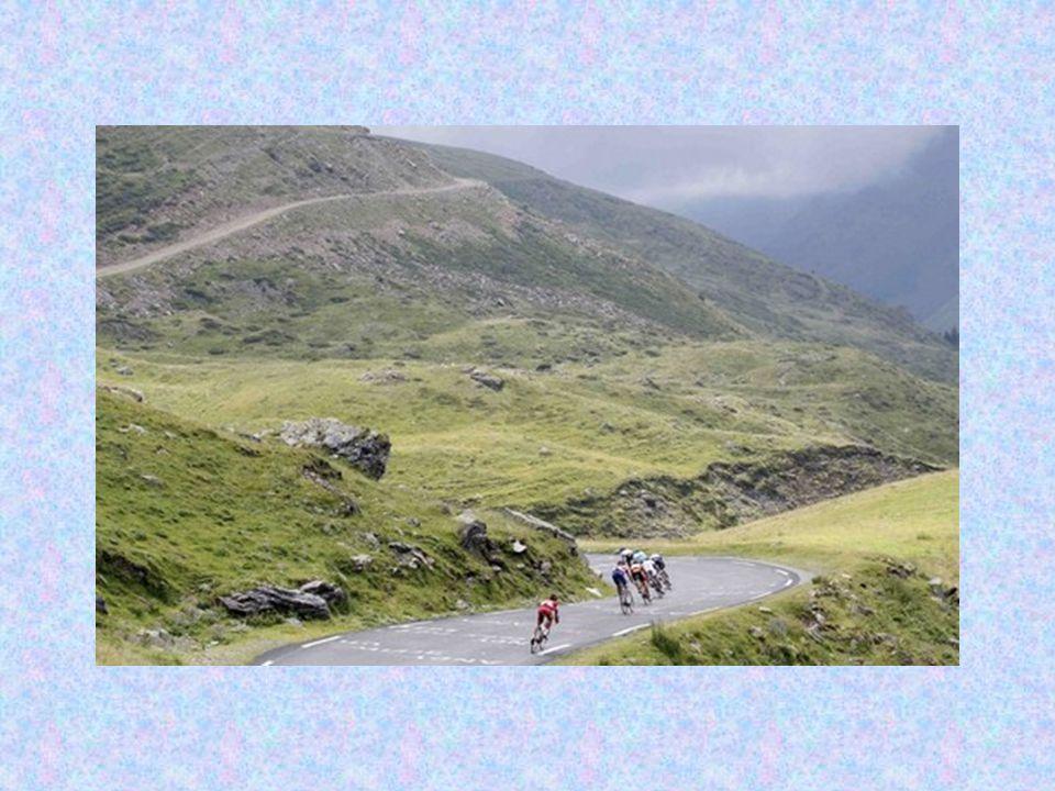 Η ερασιτεχνική ποδηλασία (μόνο για άντρες) υπήρξε Ολυμπιακό Άθλημα από το 1896.