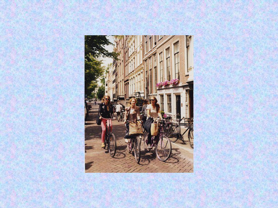 Οι νέοι, σε πόλεις όπως το Άμστερνταμ το Βερολίνο, το Λονδίνο αλλά και σε πανεπιστημιουπόλεις όπως το Κέιμπριτζ, η Οξφόρδη, το Ντελφτ, το Ρόττερνταμ συνδυάζουν αρμονικά την μεταφορά τους, την προστασία του περιβάλλοντος αλλά και την οικονομία έχοντας το ποδήλατο ως βασικό άξονα.