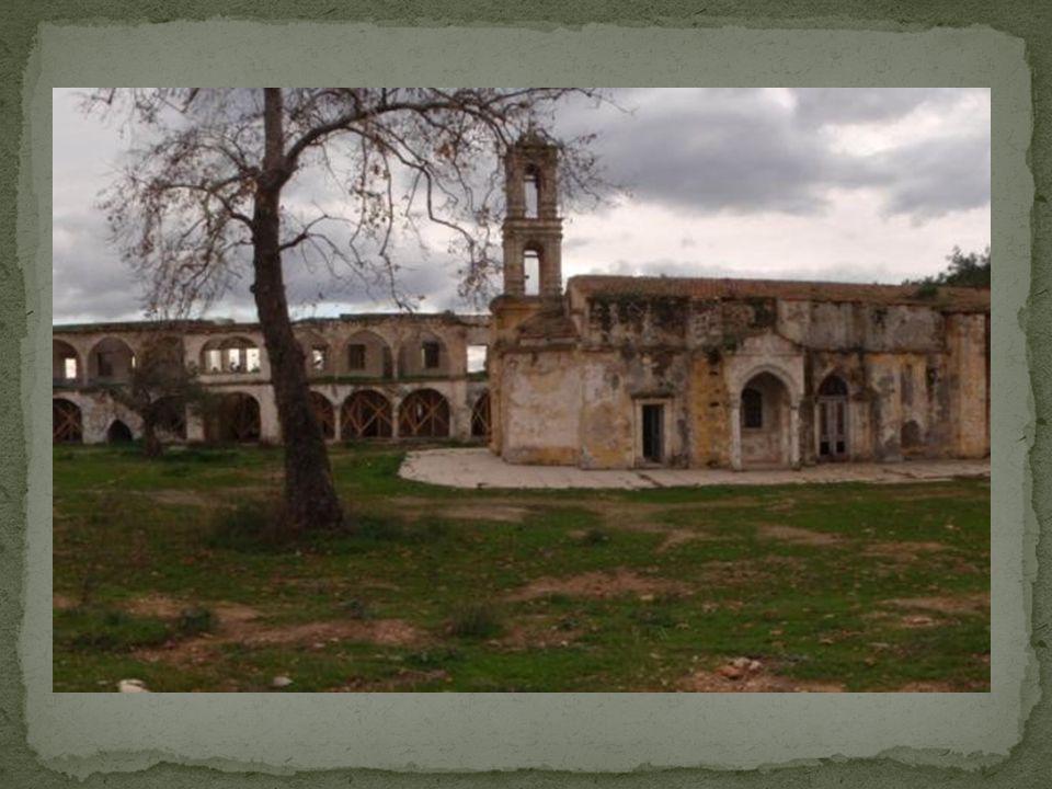 Ένα από τα σημαντικότερα χριστιανικά προσκυνήματα της Κύπρου, το μοναστήρι του Αγίου Παντελεήμονα στα κατεχόμενα, βρίσκεται στα όρια της κατάρρευσης, αφού οι εικόνες από το άλλοτε χριστιανικό στολίδι της Μύρτου, μόνο θυμό και κατάθλιψη προκαλούν.