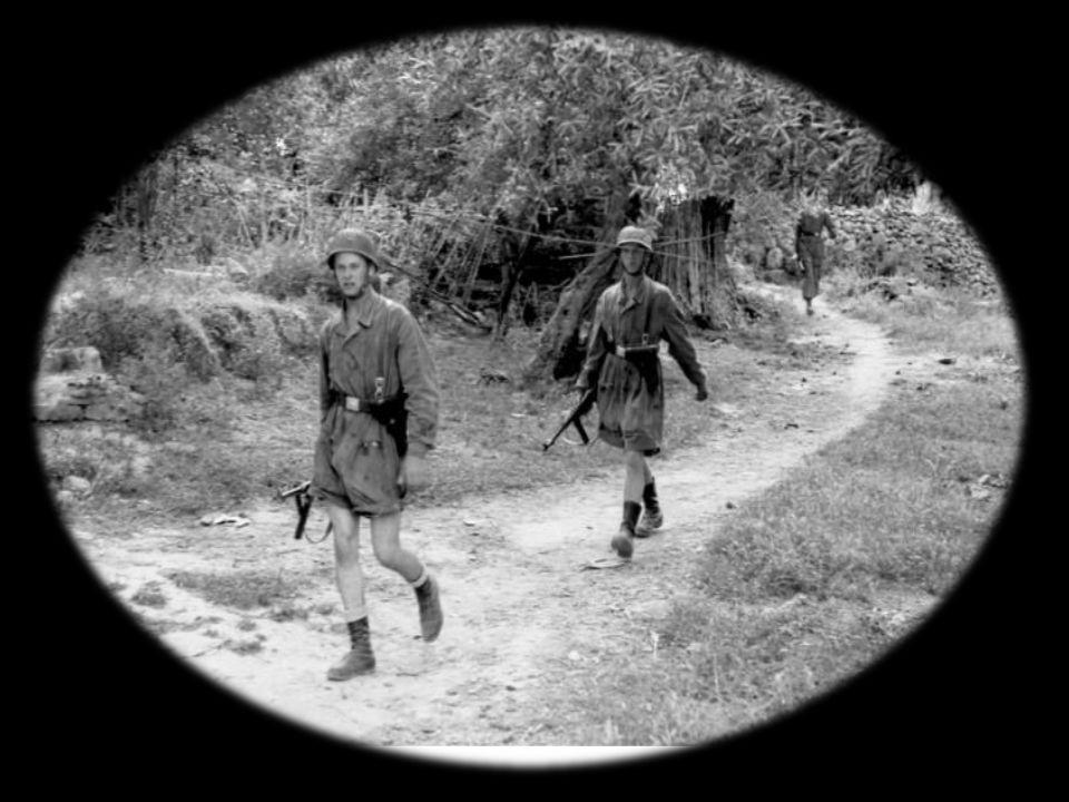 H πρώτη αναφέρει : Δια την κτηνώδη δολοφονίαν Γερμανών αλεξιπτωτιστών, αλπινιστών και του μηχανικού από άνδρας, γυναίκας και παιδιά και παπάδες μαζ i και διότι ετόλμησαν να αντισταθούν κατά του μεγάλου Ράιχ, κατεστράφη την 3-6-1941 η Κάνδανος εκ θεμελίων, διά να μην επαναοικοδομηθεί πλέον ποτέ. Η δεύτερη αναφέρει : Ως αντίποινων των από οπλισμένων πολιτών ανδρών και γυναικών εκ των όπισθεν δολοφονηθέντων Γερμανών στρατιωτών κατεστράφη η Κάνδανος.