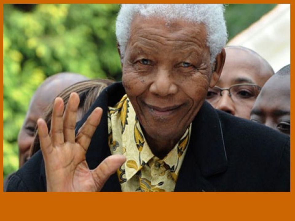 Ο Μαντέλα γεννήθηκε στο Τρασκέι, στη Νότιο Αφρική και είναι γιος ενός φυλάρχου.