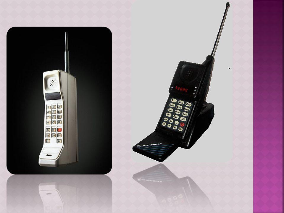  Στις αρχές του 21ου αιώνα ήλθαν τα κινητά τρίτης γενιάς (3G), με τις απεριόριστες δυνατότητες των πολυμέσων.