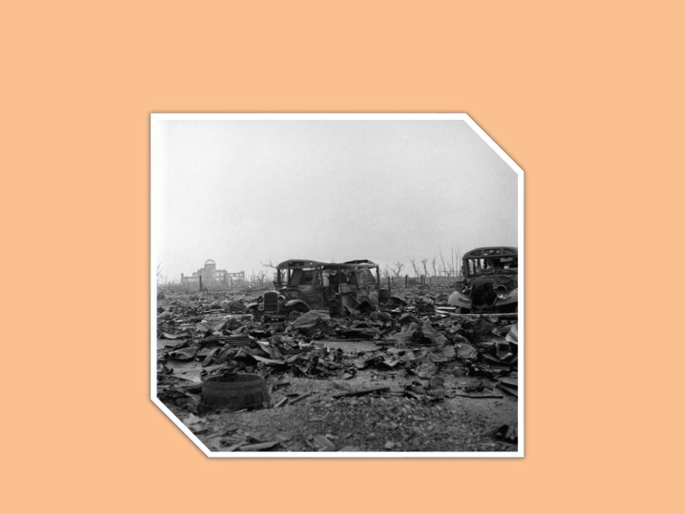 ΕΠΙΠΤΩΣΕΙΣ ΣΤΟΝ ΑΝΘΡΩΠΙΝΟ ΠΑΡΑΓΟΝΤΑ Ο αρχικός αριθμός των θυμάτων από τη ρίψη των βομβών, κατά το μεγαλύτερο μέρος άμαχος πληθυσμός, υπολογίζεται σε περίπου 70.000 νεκρούς για κάθε πόλη.