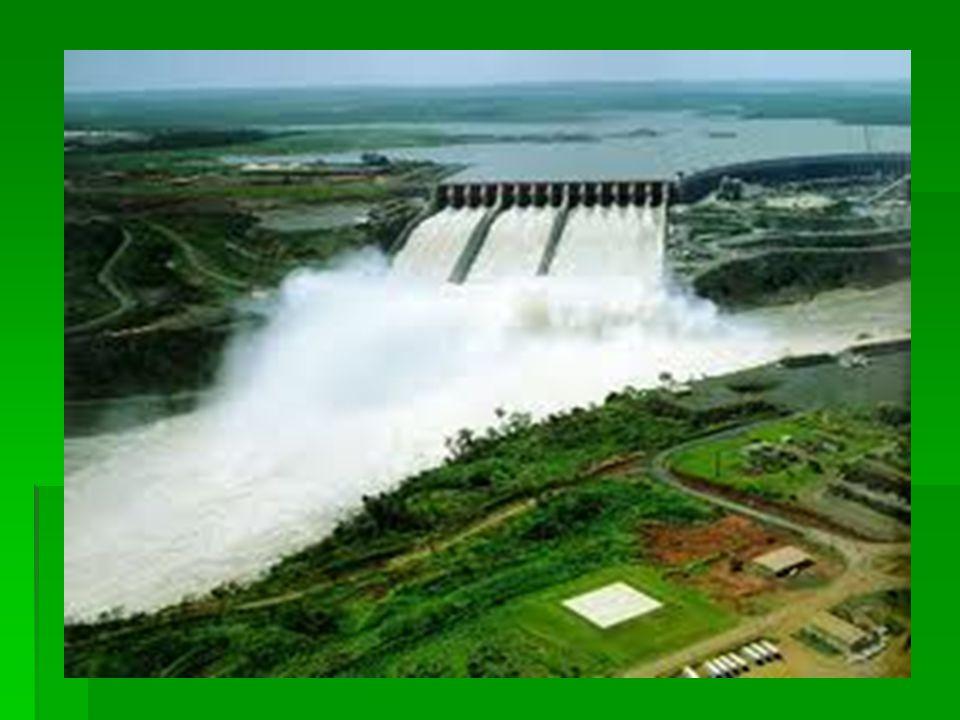 Υδροκίνηση στην προβιομηχανική περίοδο  Η χρήση της ενέργειας που μπορεί να προσφέρει στον άνθρωπο το νερό θεωρήθηκε ως το πιο σημαντικό βήμα στην εξέλιξη των μέσων που χρησιμοποιούσε για παραγωγικούς σκοπούς.